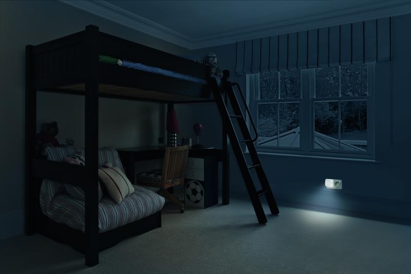 osram lunetta hall led nachtlicht steckdose wei mit. Black Bedroom Furniture Sets. Home Design Ideas